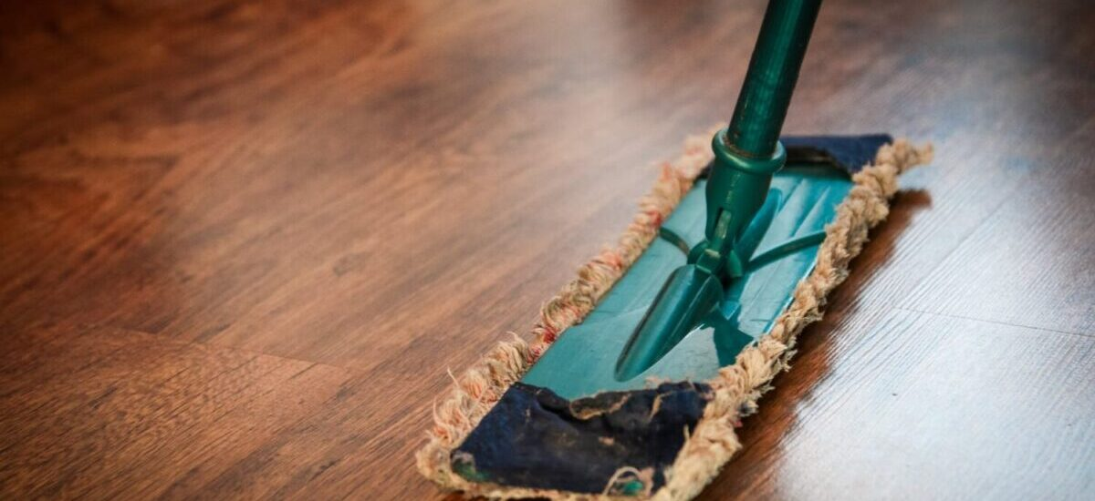 6 Benefits You Get from Hiring Cleaning Services for Your Business